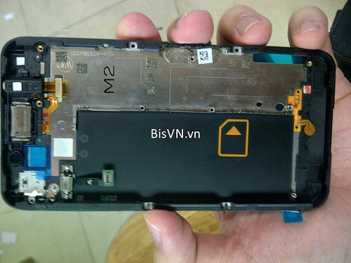 BB-10-London-Teardown-2