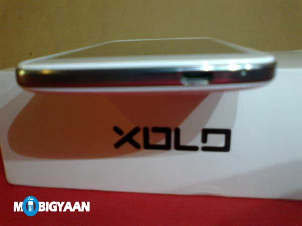XOLO Q1000 Opus bottom edge
