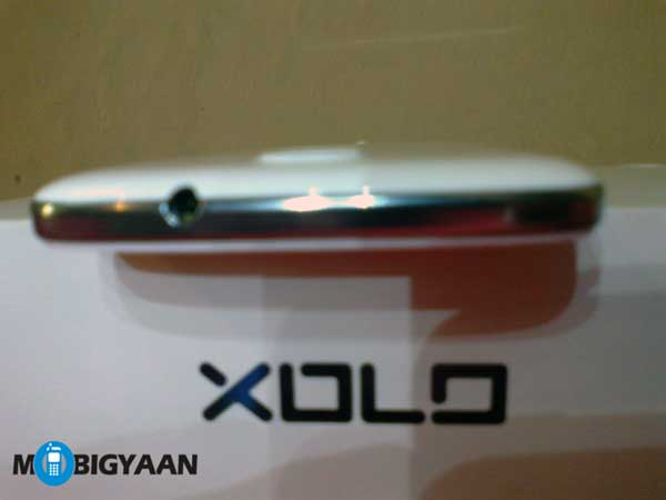 XOLO Q1000 Opus top edge