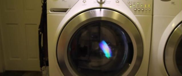 Samsung-Galaxy-S5-washing-machine-4