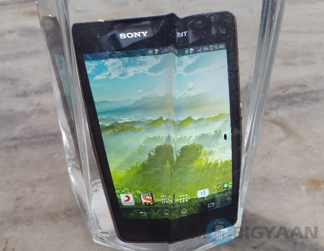 Sony Xperia Z1 Compact 6