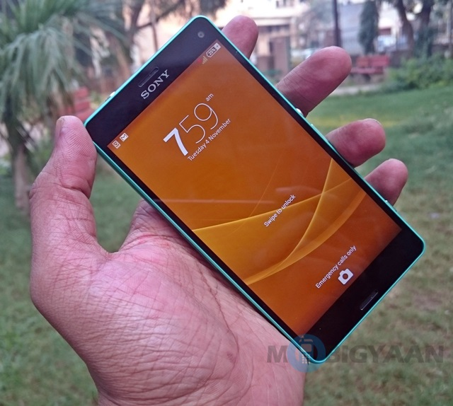 Sony-Xperia-Z3-Compact-3