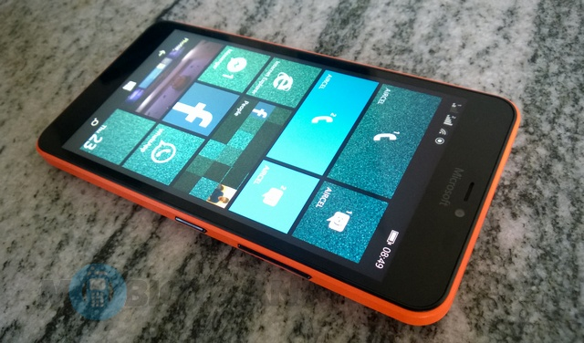 Microsoft-Lumia-640-XL-Dual-SIM-Review-12