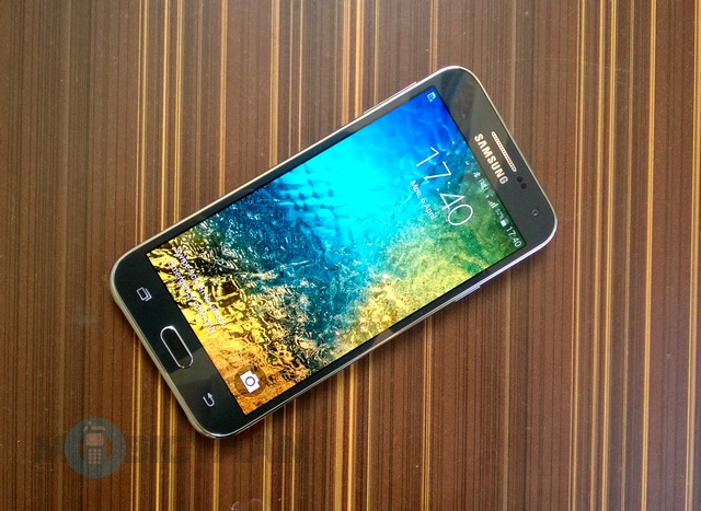 Samsung Galaxy E5 Review 1