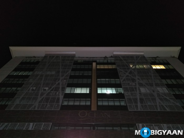 LeEco-Le-Max-Camera-Samples-Night-Shots-building-closeup-non-hdr