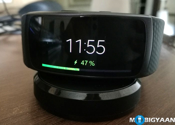 Samsung Gear Fit2 - Hands-on Images Review (2)