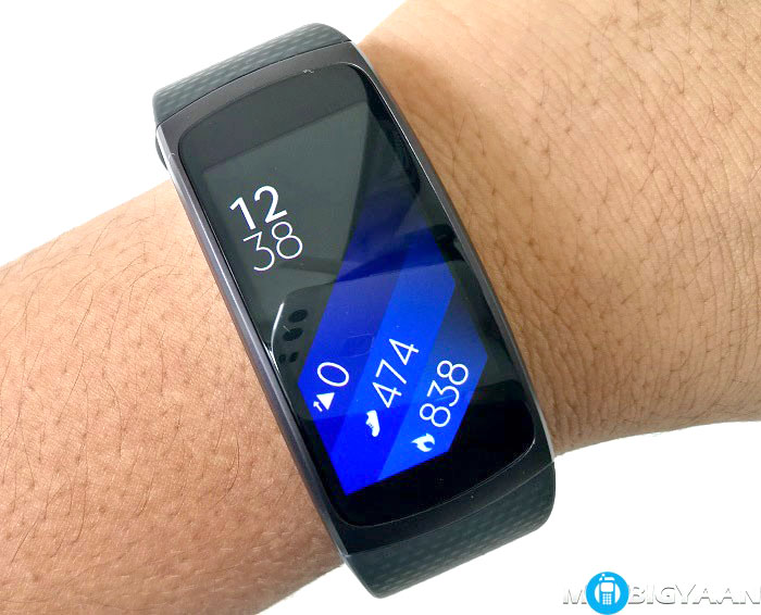 Samsung-Gear-Fit2-Hands-on-Images-Review-2-1