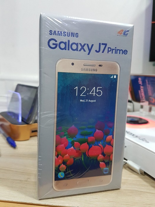 samsung-galaxy-j7-prime-retail-box