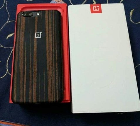 oneplus-5-leak-retail-box-phone-case-1-e1497939780649-477x430