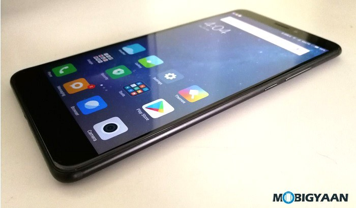 Xiaomi-Mi-Max-2-Hands-on-Review-Images-Big-in-size-Big-in-battery-11