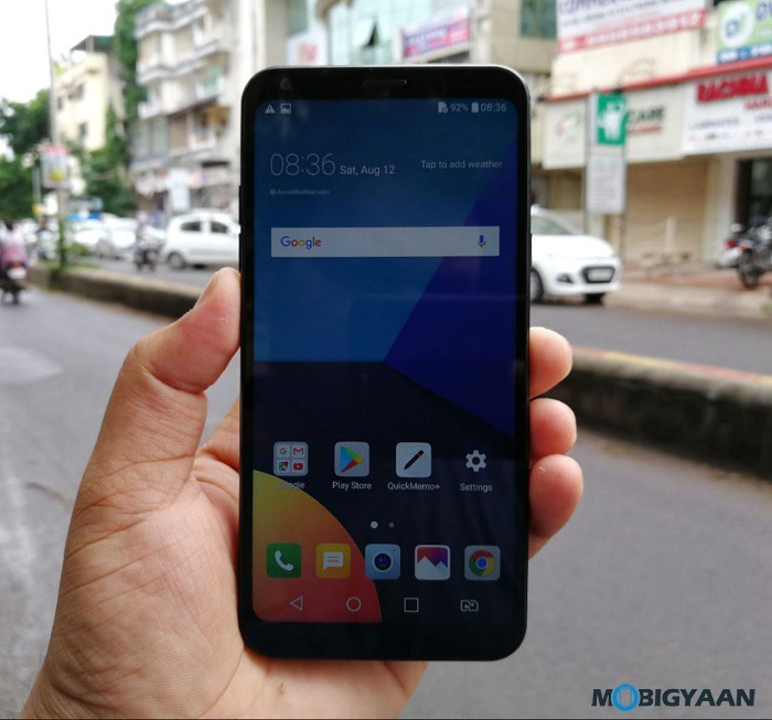 LG-Q6-Hands-on-Review-Front-Images-3