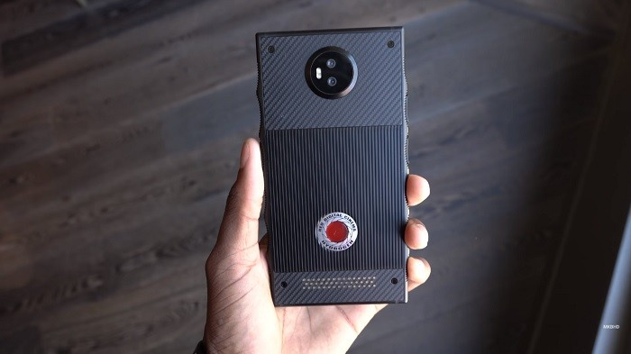 red-hydrogen-one-featured