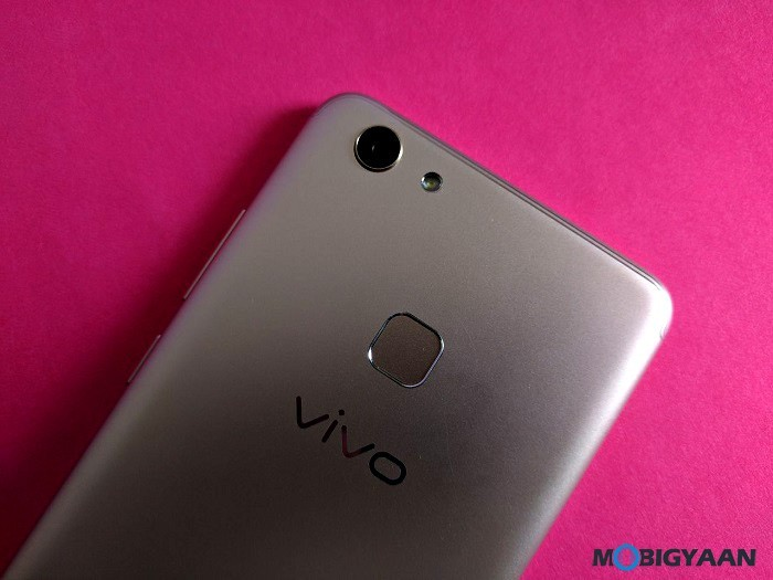 Vivo-V7-Plus-Hands-on-Images-Review-Selfie-Phone-8
