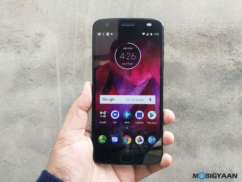 Motorola-Moto-Z2-Force-Hands-on-Review-Images-1
