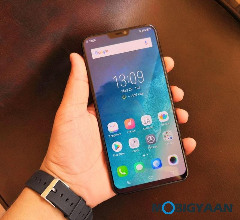 Vivo-X21-Hands-on-Worlds-First-Smartphone-with-In-Display-Fingerprint-Scanner-Images-4