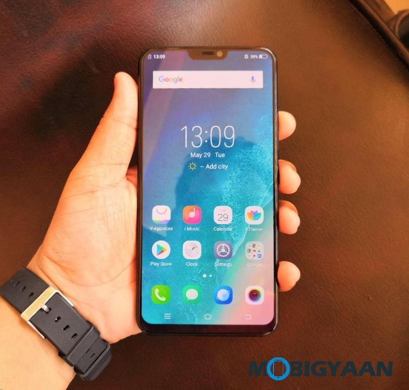 Vivo-X21-Hands-on-Worlds-First-Smartphone-with-In-Display-Fingerprint-Scanner-Images-5