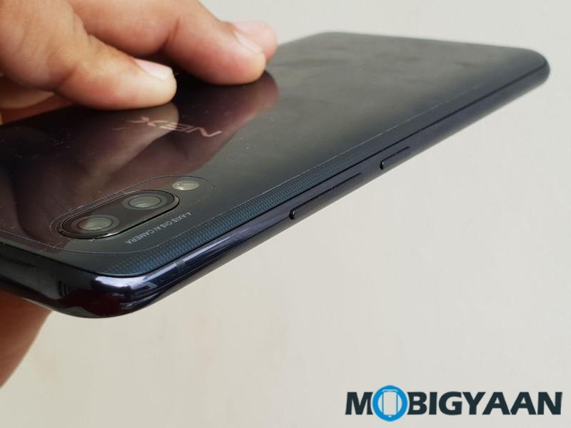 Vivo-NEX-Hands-on-Images-Notch-less-Design-Periscope-style-Camera-and-In-Display-Fingerprint-Scanner-13