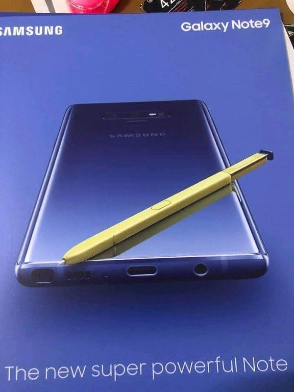samsung-galaxy-note9-leaked-promo-material-s-pen-1