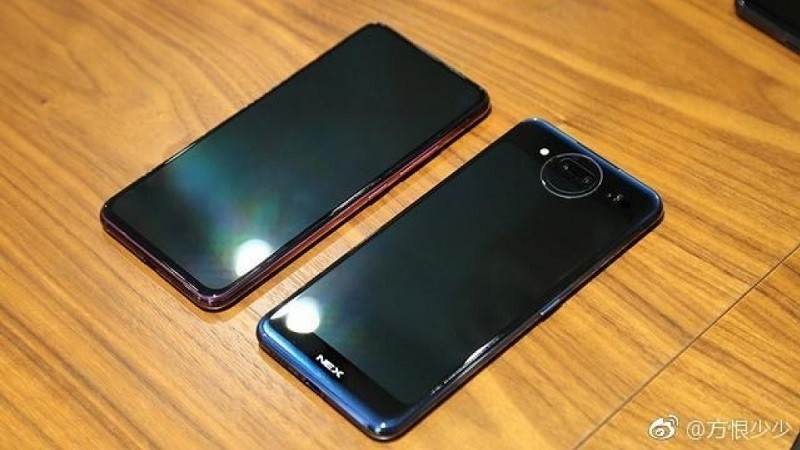 vivo-nex-2-leaked-live-images-1-1
