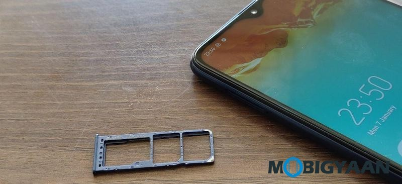 Samsung-Galaxy-M10-Hands-On-Review-Images-5