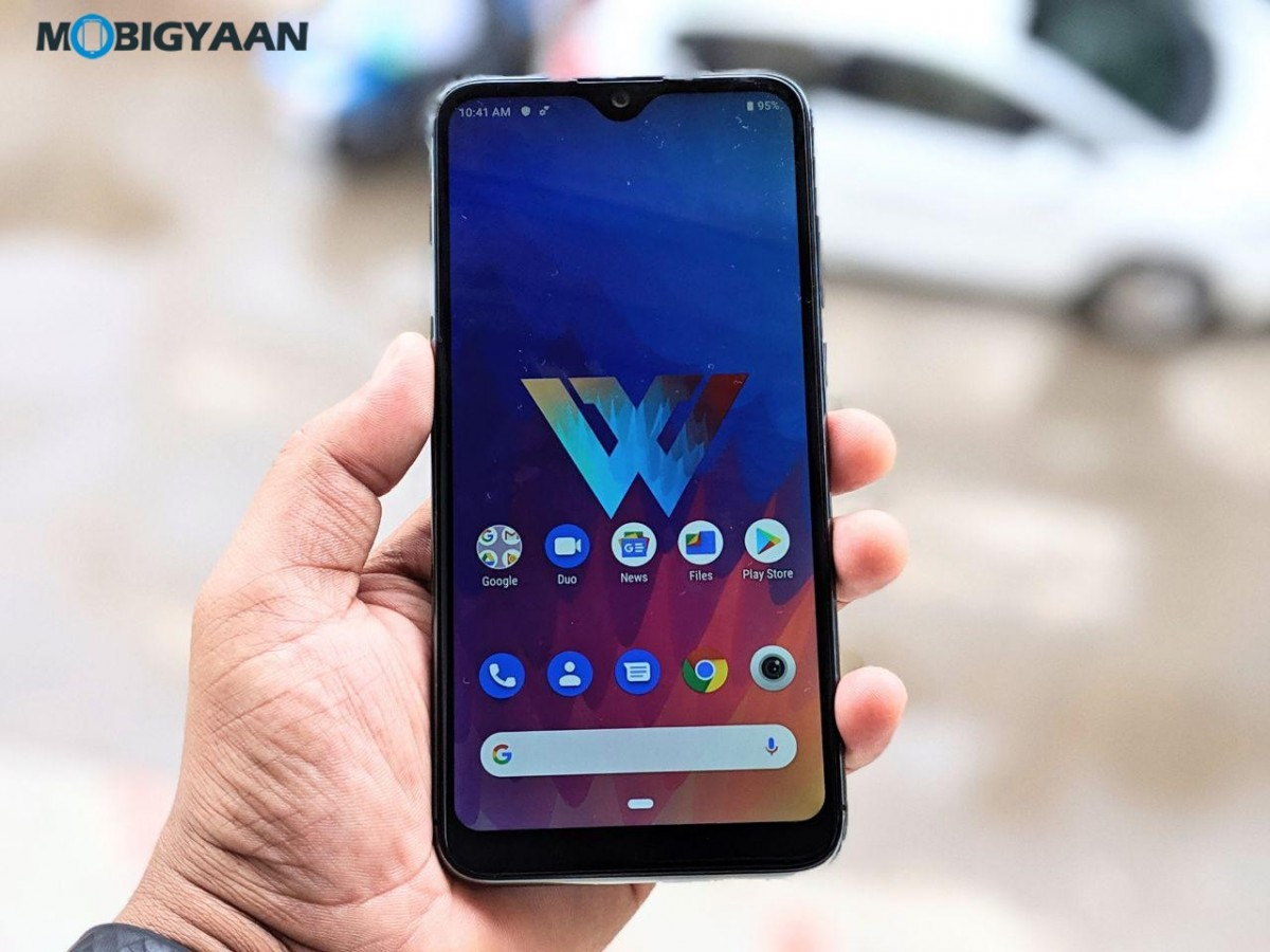 LG-W30-Hands-On-Review-Images-7