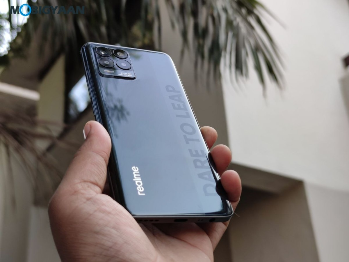 realme-8-Review-Hands-On-Images-Design-19