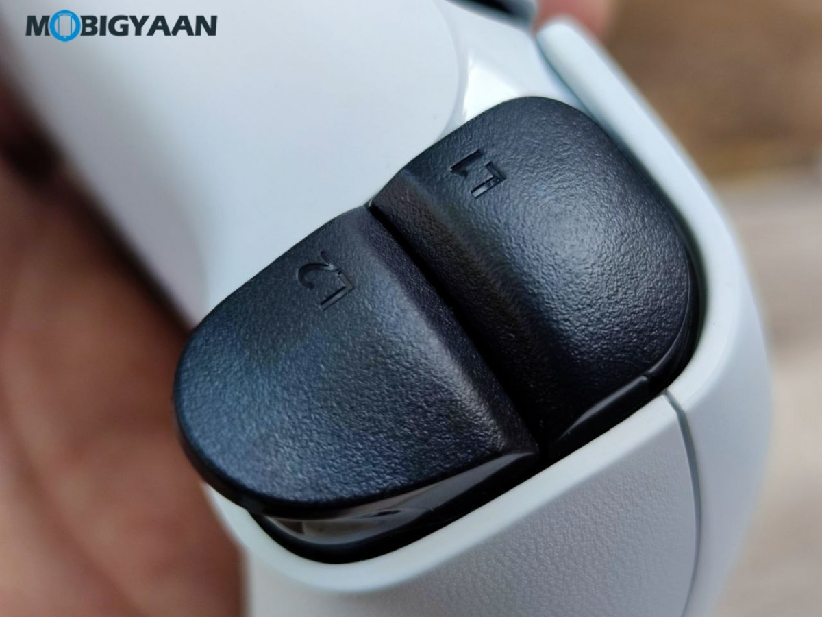 Sony-PlayStation-5-Design-Features-Controller-Review-12