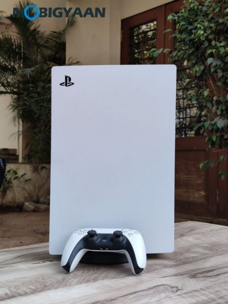 Sony-PlayStation-5-Design-Features-Controller-Review-15-768x1024