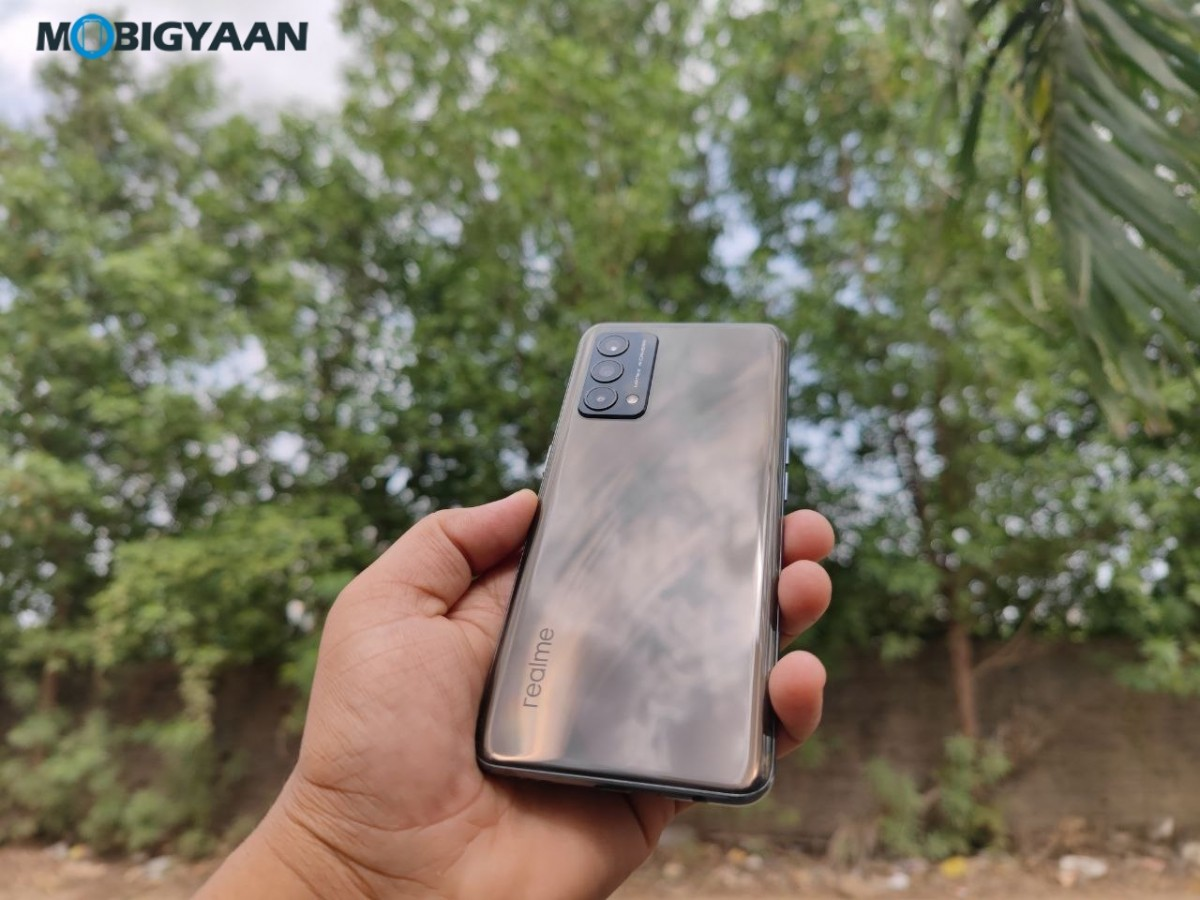 realme-GT-Master-Edition-Review-Design-Display-3-1