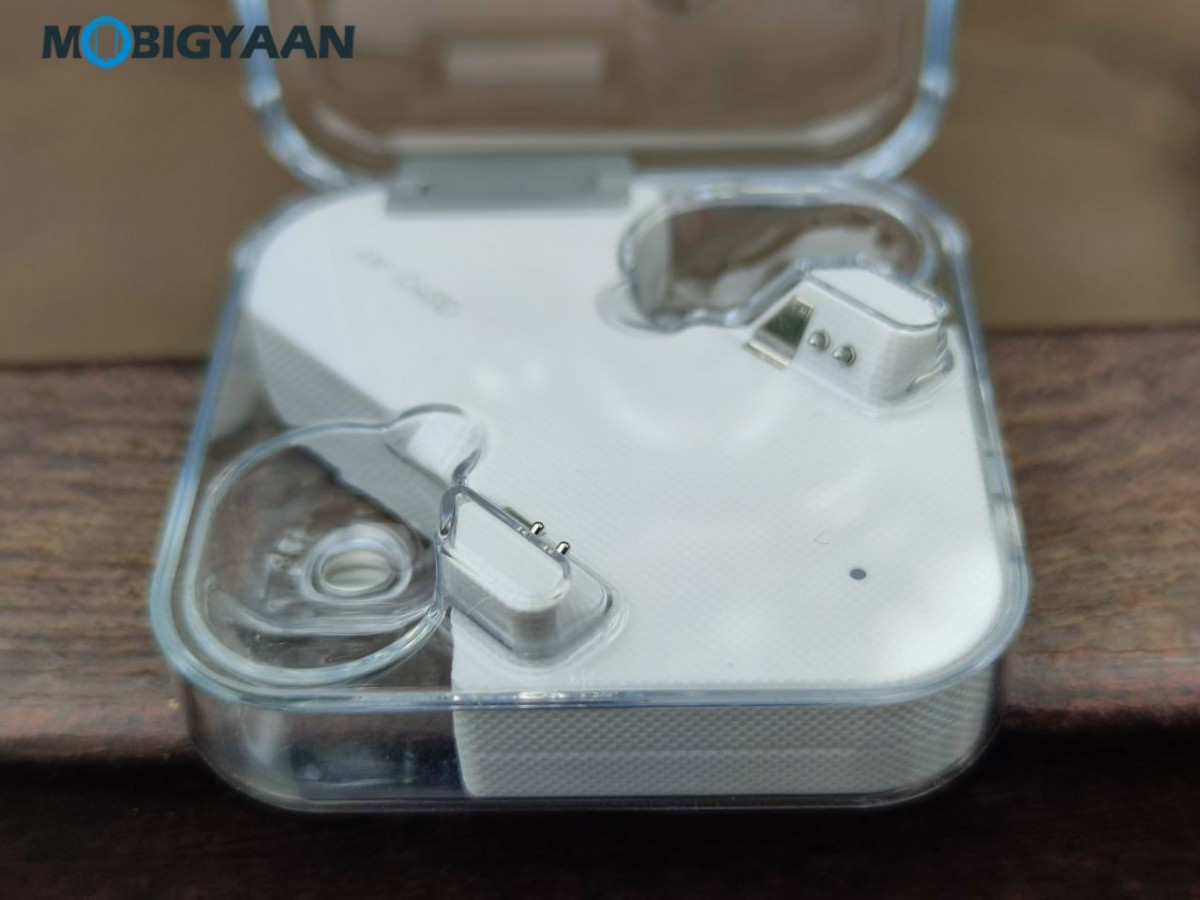 Nothing-ear-1-Review-Earbuds-Design-4