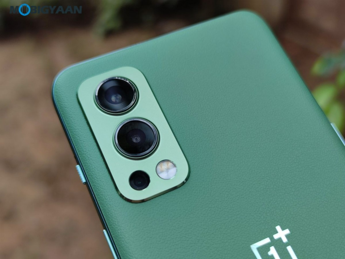 OnePlus-Nord-2-5G-Review-Design-10