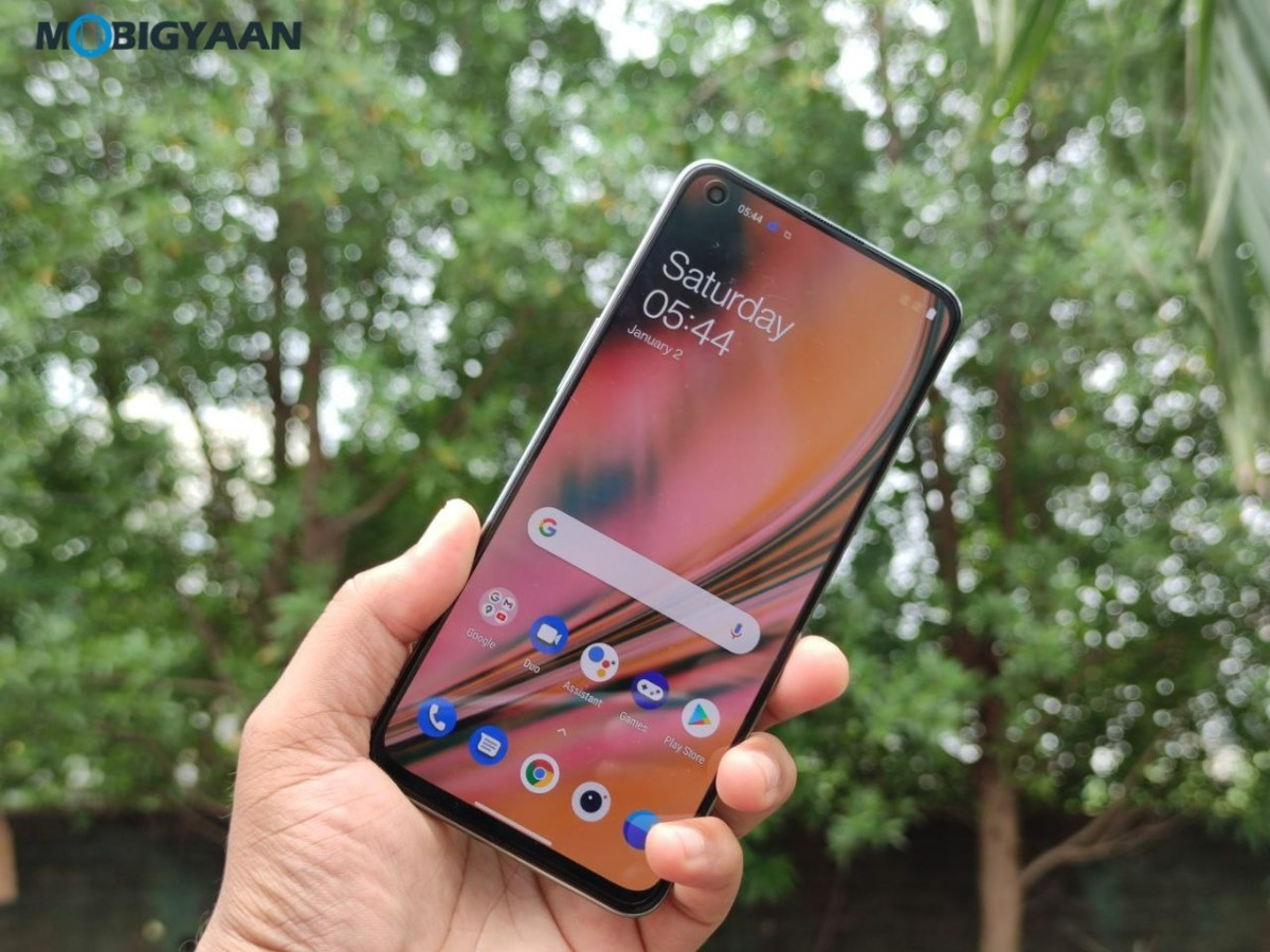 OnePlus-Nord-2-5G-Review-Design-6